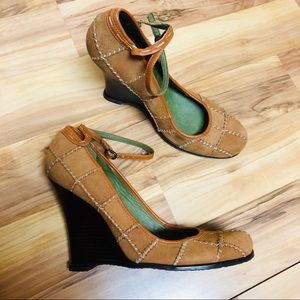 Vince Camuto suede wedge heels